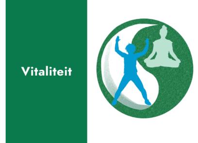 tekst: vitaal blijven. Daarnaast een yin en yang symbool, met daarin een illustratie van een actief sportende persoon en een persoon in yogahouding.